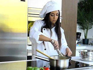 Latina chef fucks her cheating boss