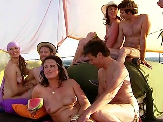 TV Nude Real Show Blootgewoon 1