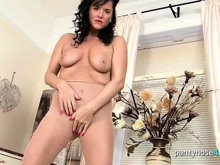 Sexy Chick in Pantyhose Rubs Her Vagina