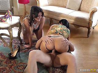 Femdom three-some with sex hungry Emma Leigh and Jasmine Jae