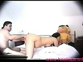Pregnant amateur gets fisted deep