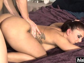 Big booty brunette gets her cunt plowed