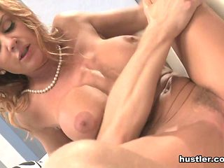 Janet Mason in Cougar - Hustler