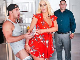 Nicolette Shea & Johnny Castle in Kitchen Cockfidential - SneakySex
