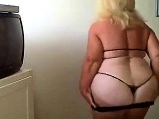 BBW granny dance on webcam