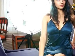 Beautiful Indian Babe naked boobs