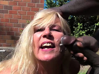 german amateur mature milf outdoor with refugee