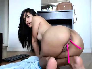 Asian chick toying on webcam and reaching an orgasm