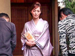 Sweet Geisha Is Actually A Sexy Yakuza - MilfsInJapan