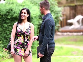 Beautiful Alex Black Loves A Sensual Encounter