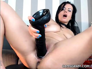 Nice Shaved Slut Fuck Her Tight Kitty With Dildo