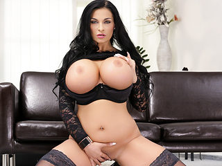Valentina Ross & Krystal Swift & Sandra Sturm & Yolo in Big Girls Need Love - DogHouseDigital