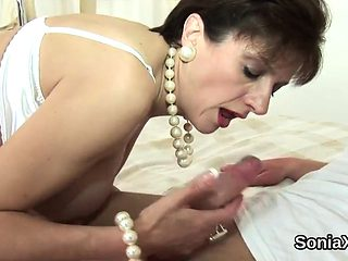 Unfaithful british milf lady sonia displays her heavy breast