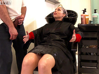 Antonia Sainz Gets A Pissing Surprise At The Hair Salon