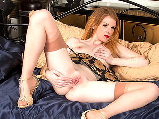 Nicole Hart in Show Off - Anilos