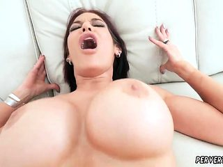 Milf loves fisting Ryder Skye in Stepmother Sex Sessions
