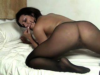 Muscular Pornstar Masturbates in her Pantyhose