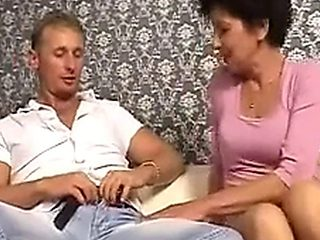 I Catch My Mature Aunt Wanking And Fuck Her