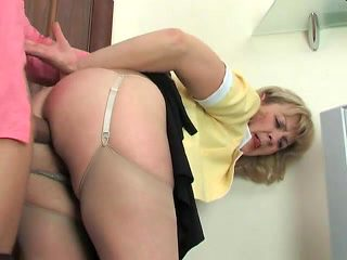 Hot mom-slut & muscled guy