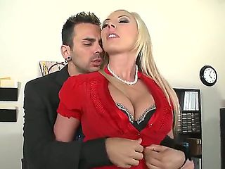 Horny secretary Skylar Price seduces her hot boss Voodoo wich bangs her hard