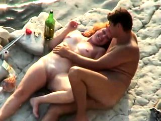 Mature Couple Caught Fucking on Beach by Voyeur Spy Camera