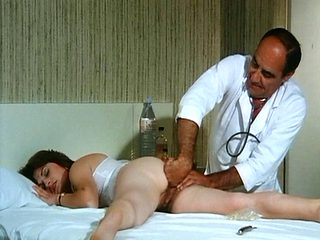La Doctoresse A De Gros Nichons - Entire Vintage Movie