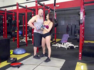 Aubrey Rose Gets Fucked In The Gym