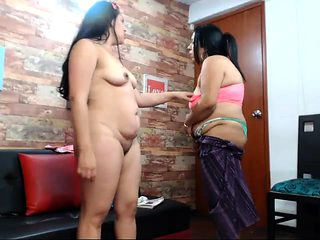Mature amateur has a fat juicy pussy