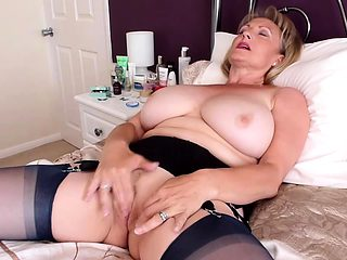 Old man jerk hot big boobs Online Hook up