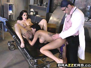 Brazzers - Doctor Adventures - Noelle Easton