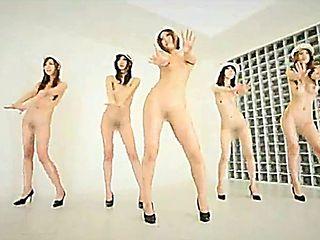 Japanese Girls Dance 5