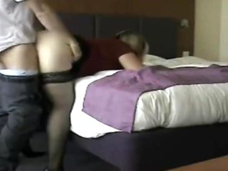 MILF francaise infidele mariee baisee dans hotel