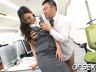 Tempting office wench seduces her colleague on work