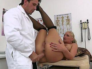 Doctor Manuel Ferrara seduces horny patient Phoenix Marie and makes her blow his cock