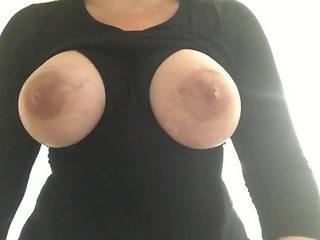 Mom shares her milk 4