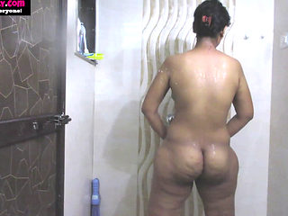 Amateur Indian Milf Babe