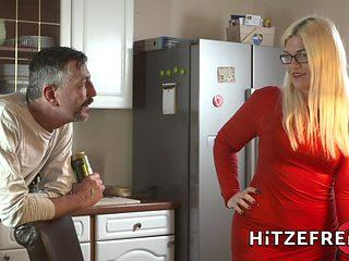 HITZEFREI Thick German blonde Mariella Sun fucks an older man