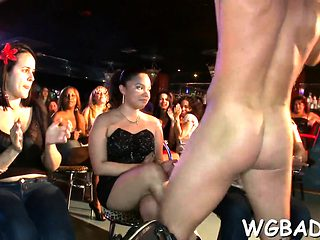 Beauties are engulfing male strippers' peckers