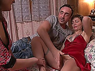 Mature Elle Threesome