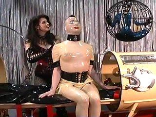 Latex Goddess Immobilises Her Subjects