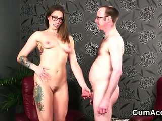 Wacky looker gets cumshot on her face swallowing all the jui