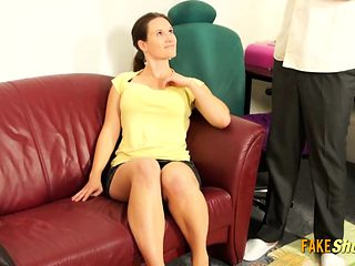 Awkward Milf During a Casting