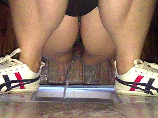 Watch a Chinese college girl squirting in front of me