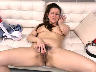 Euro milf Valentina Ross works her hairy cunt