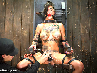 Bonnie Rotten & Orlando in Bonnie Rotten-Uncontrollable Squirting Orgasms - DeviceBondage