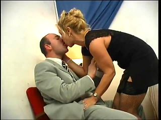 Mature blonde adore anal