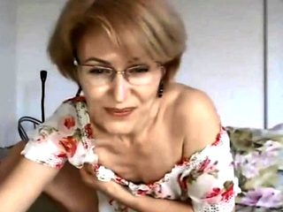 Milf in glasses spread her legs and shows no lips pussy