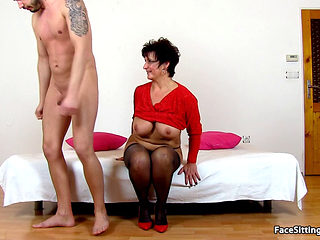Mature Face Sitting On Her Slave - Greta
