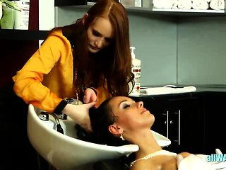 Bride has fun at the salon