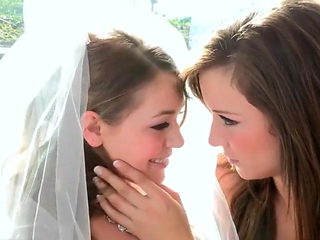 Bride Has Lesbian Foursome With Her Bridesmaids